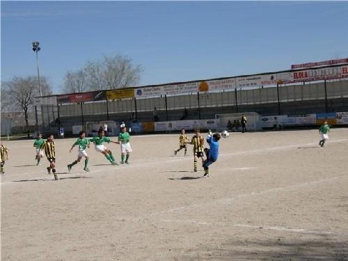 Jugada de gol dentro del área rival