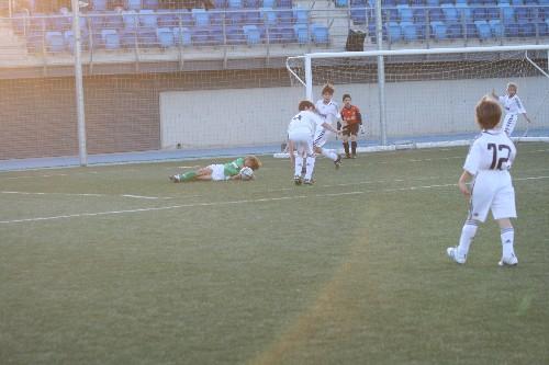 Penalty claro de un defensor del R.Madrid sobre nuestro delantero Alejandro