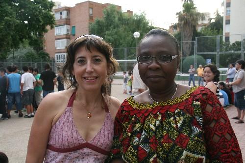 Las madres de Alejandro y Sekou del equipo Prebenjamin.