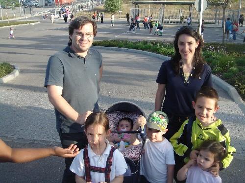 Toda la familia al completo (padres y hermanos)