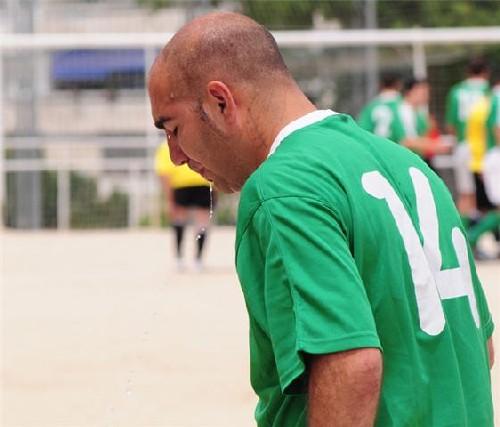 Iván capitán del equipo, dando ejemplo y dejándose la piel en cada partido.