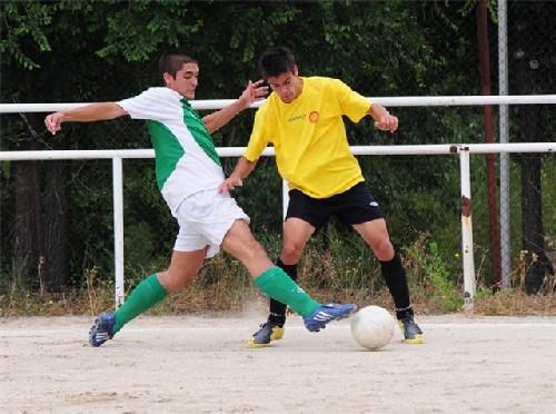 Pablo Pin presionando aun contrario en la salida del balón.