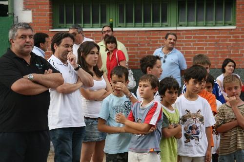 """Manuel, Alejandro y Carlota con su equipo Benjamin """"A"""""""