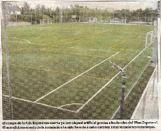 Foto publicada en el periodico del Campo de Fútbol
