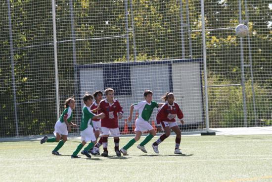 Falta lateral sacada hacia el área del equipo rival.