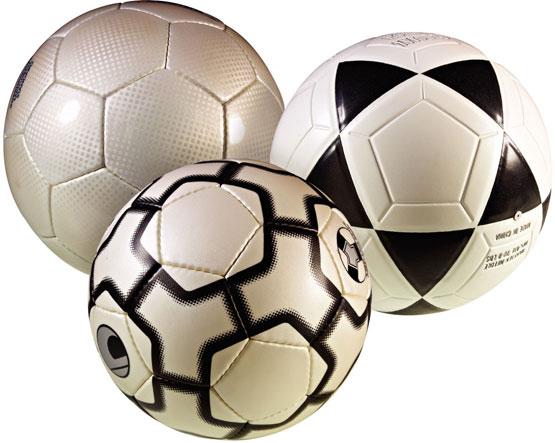 El balón de fútbol se ha convertido en el centro de atención de todo el  mundo 380f8b316ac24